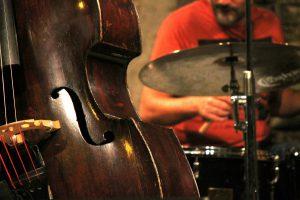 Hur påverkas din hjärna av att spela ett musikinstrument?